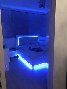 Modern And Romantic Bedroom Lighting Decor Ideas Cute Room Ideas, Cute Room Decor, Teen Room Decor, Neon Bedroom, Room Ideas Bedroom, Bedroom Decor, Budget Bedroom, Trendy Bedroom, Bedroom Inspo