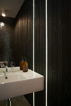 Andrew Meiring Architects : westmere house LÆS GOD ARTKEL HER: http://raadgivning.boligsiden.dk/inspiration/nyt-moderne-hus-inspireret-af-70erne/