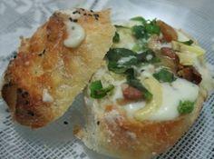 Pão Italiano com Creme de Queijo, Bacon e Manjericão