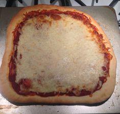 Basic Cheese Pizza Recipe - Genius Kitchen Pizza Recipes, My Recipes, Dinner Recipes, Pizza Pizza, Pizza Dough, New York Pizza, Vegetable Puree, Quiches, Casseroles