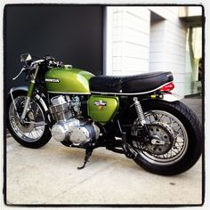 Diggin' this Honda CB750 Four cafe racer by DieselDemon.