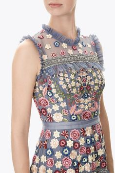 Discover embellished, embroidered & lace dresses at Needle & Thread, fit for every occasion. Shop embroidered floral gowns, sequin embellished dresses and more. Needle And Thread Dresses, Velvet Dress Designs, Gowns Of Elegance, One Piece Dress, Embellished Dress, Madrid, Pretty Dresses, Dress To Impress, Fashion Dresses