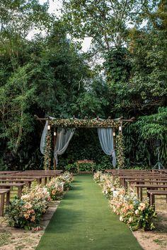 Outdoor Wedding Decorations, Outdoor Wedding Venues, Wedding Themes, Outdoor Ceremony, Field Wedding, Forest Wedding, Wedding Altars, Wedding Ceremony, Perfect Wedding