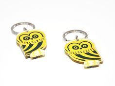Owl | Two sided plexiglass keychain screenprinted & lazer cutted | 4 x 5,6 x 0.8 cm