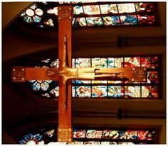 St. Elisabeth – Altar-Hängekreuz - Hildegard Bienen