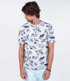 Camiseta masculina    Manga curta    Gola redonda    Estampada    Marca: Ripping    Tecido: meia malha    Composição: 97% algodão e 3% poliéster    Modelo veste tamanho: M         COLEÇÃO VERÃO 2016         Veja mais opções de   camisetas masculinas.