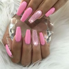 Pretty in Pink Pink Acrylic Nails, Pink Nails, Beach Nails, Accent Nails, Mani Pedi, Cute Nails, Pretty In Pink, Fashion Beauty, Nail Designs