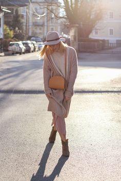 tifmys – Sweater, Earrings and Culottes: Zara | Coat: H&M | Hat: Yaya | Boots: Isabel Maran Dicker | Bag: A.P.C. Half Moon