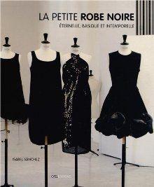 La Petit Robe Noir in the Palais Royale. Vintage couture little black dresses. Beyond chic – Dress Archive Chanel Little Black Dress, Perfect Little Black Dress, Parisienne Chic, Coco Chanel Dresses, Style Noir, Paris Girl, Feather Dress, Fashion Now, Vintage Couture