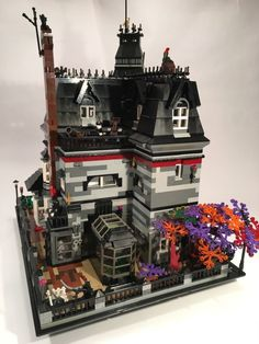 This beautiful Addams Family LEGO mansion based on the original mansion featured in the TV show from the mid-1960s might soon become reality thanks to the support of 10,000 people on the Lego Idea …