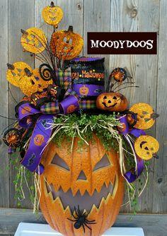 Wreaths, Front Door Wreaths, Wreaths for Door by MoodyDoos Halloween Yard Art, Halloween Door Wreaths, Halloween Magic, Halloween Tricks, Halloween Signs, Holidays Halloween, Holiday Wreaths, Halloween Pumpkins, Halloween Crafts