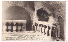 9) LA GROTTE MIRACULEUSE: Et en effet, une fois les marches descendues, on aperçoit sur la gauche un bassin qu'une fontaine vient remplir. A l'origine, l'accès au sanctuaire se faisait depuis le fond opposé par une ouverture plein pied, donnant directement dans la rue. Cette entrée, plus logique et agréable, est aujourd'hui murée et donne accès sur une cave voisine. Il est aussi possible que la grotte se poursuivit jadis dans le fond, ...