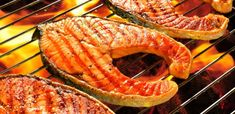 How to grill salmon and shrimp with no sticking mnn - mother Salmon And Shrimp, Grilled Salmon, Fish And Seafood, Healthy Grilling Recipes, Healthy Chicken Recipes, Mexican Sour Cream, Grilled Shrimp Recipes, Mashed Potato Recipes, Nutrition
