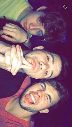 Cellbit, Muca e Carlos em uma festa depois da Age Campinas