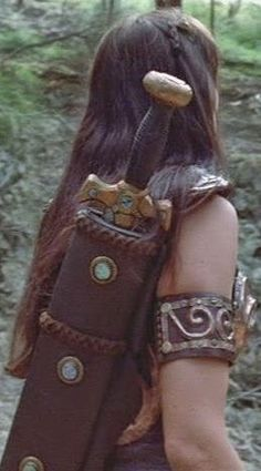 Xena Prop Treasures: My Collection (X): Xena's Leather Scabbard (Made by me)