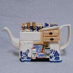 Cardew Blue Teapot LG Kitchen Sinķ. A Collector's Dream, Royal Albert Paul