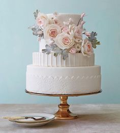 Make sure your wedding cake is as beautiful as it is delicious. Find out the latest in wedding cake designs from The Knot: wedding cakes designs 7 Pretty Cakes We Can't Stop Looking At Wedding Cakes With Flowers, Beautiful Wedding Cakes, Gorgeous Cakes, Pretty Cakes, Amazing Cakes, Flower Cakes, Cake Flowers, Wedding Cupcakes, Wedding Cake Inspiration