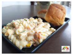 Pasta in white sauce White Sauce Pasta, Potato Salad, Potatoes, Snacks, Ethnic Recipes, Food, Appetizers, Eten, Potato