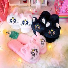 Kawaii Cats Paw Slippers ●Size:fit for cm ●About Shipping: We attach great importance to the orders of each customer and parcel delivery. Sailor Moon Luna, Sailor Moon Crystal, Kawaii Cat, Kawaii Anime, Kawaii Shop, Pastel Goth Outfits, Pink Outfits, Fashion Outfits, Kawaii Bedroom