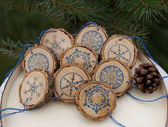 SkaraZu / Modrá zima na vidieku Decorative Plates, Christmas, Home Decor, Xmas, Decoration Home, Room Decor, Navidad, Noel, Home Interior Design
