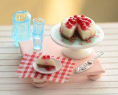 Miniature Cherry Cheesecake Set