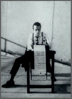 Joe Strummer / The Clash Joe Strummer, Writing Machine, Work Pictures, Writers And Poets, Writers Write, Book Writer, Portraits, The Clash, Manado