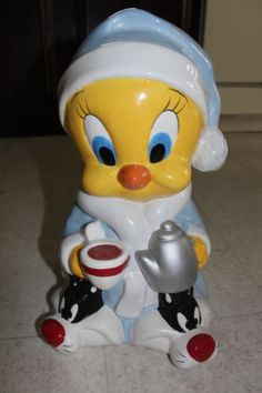 2000 Warner Bros Studio Store Tweety Bird Cookie Jar Pajamas Sylvester Slippers   eBay
