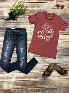 Happy Monday dolls, We are loving our NEW ARRIVALS‼️ like this super soft well with my soul tshirt and some of our new jeans. Pair any of our new tees with your favorite ripped skinnies and Sandles then you're ready for the day. Also, can't forget your favorite shades, buy a pair from us and get a free sunglass carrier!