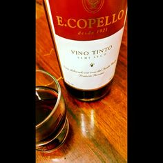 ending a great #weekend ☺ #Cheers! with E. Copello  #peruvian #wine #redwine #semi #dry #grenache #malbec #barbera #Lima #Peru #vino #peruano #sunday #vinoperuano #vinotinto #sundaynight