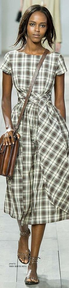 Michael Kors Collection Spring 2015 Ready-to-Wear Collection Photos - Vogue 2015 Fashion Trends, Fashion Week, New York Fashion, Spring Fashion, Fashion Show, Womens Fashion, Fashion Design, Fashion Blogs, Michael Kors 2015