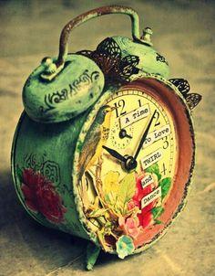Tic tac old clock