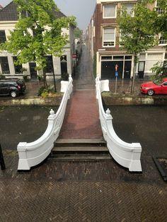 Visbrug, Delft, Zuid-Holland. Holland Netherlands, North Sea, Old City, Delft, Dutch, Places To Visit, Beautiful, Travel, Kunst