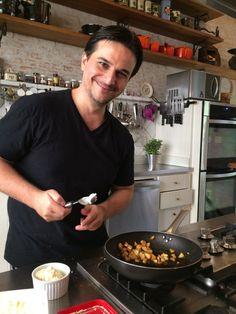 Para quem busca dicas de restaurantes e receitas de babar para testar em casa, o perfil do @cuecasnacozinha é daqueles de seguir já!