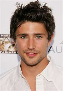 Matt Dallas is the EPITOME of what I want in a man. Tall, tanned, dark hair, and light eyes.