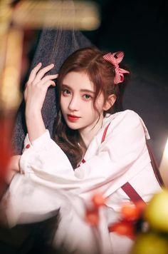 Uzzlang Girl, Girl Face, China Girl, Korean Girl Fashion, Cute Korean Girl, Female Actresses, Star Girl, Beauty Hacks Video, Cute Girl Photo