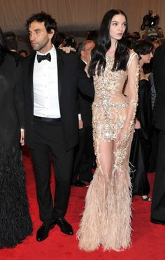 MY DREAM WEDDING GOWN: Mariacarla Boscono Givenchy Haute Couture Keywords: #weddings #jevelweddingplanning Follow Us: www.jevelweddingplanning.com  www.facebook.com/jevelweddingplanning/