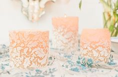These White & Ivory Damask Leaf candles were inspired by 18th century wallpaper found in the salons of Paris. Perfect for any table setting in these colors. Each candle comes in a luxurious floral box.