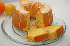 Torta de naranja, ideal para la hora del té - IMujer My Recipes, Sweet Recipes, Cake Recipes, Tea Cakes, Cupcake Cakes, Bien Tasty, Colombian Food, Almond Cakes, Eat Dessert First