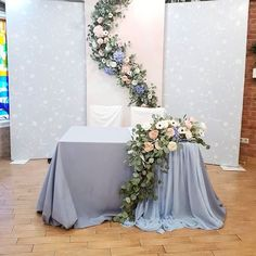 ideas for party table engagement Wedding Ceremony Ideas, Romantic Wedding Receptions, Wedding Scene, Church Wedding, Elegant Wedding, Wedding Chairs, Table Wedding, Party Wedding, Wedding Bride