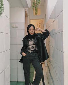 Casual Hijab Outfit, Ootd Hijab, Casual Outfits, Street Hijab Fashion, Muslim Fashion, Mode Turban, Hijab Fashion Inspiration, Teen Fashion Outfits, Muslim Women