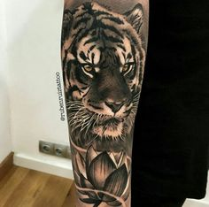 Tattoo by ig:rubenruiztattoo Tiger Tattoo Sleeve, Lion Tattoo, Cat Tattoo, Full Sleeve Tattoos, Cover Up Tattoos, Tiger Tattoo Design, Tattoo Designs, Dream Tattoos, Cool Tattoos