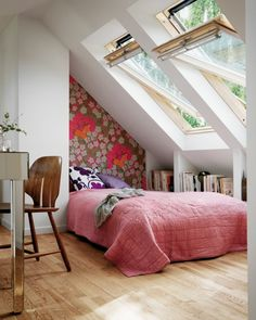 skylight above bed with windows that open...great for the super warm nights...like indoor camping.