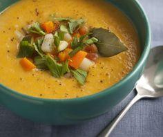 poireau, carotte, navet, céleri, pomme de terre, tomate, courgette, oignon, bouillon, crême fraîche, beurre