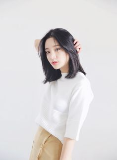 Korean haircut long, short hair styles asian, asian bob haircut, straight h Medium Hair Cuts, Short Hair Cuts, Medium Hair Styles, Curly Hair Styles, Short Hair Styles Asian, Short Hair Korean Style, Pixie Cuts, Short Pixie, Hair Cuts Asian