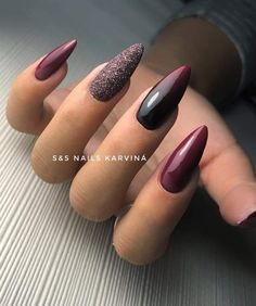 2018 - - - Alles ist da MTVEMA 2018 - -MTVEMA 2018 - - - Alles ist da MTVEMA 2018 - - Easy, elegant and classy winter nails to celebrate Christmas and winter in general! Check out our best winter nail designs 34 winter nails design you must try page 22 Plum Nails, Dark Nails, Glitter Nails, Burgundy Nails, Dark Color Nails, Dark Nail Art, Burgundy Nail Designs, Dark Nail Designs, Almond Nails Designs