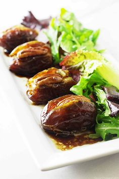These gorgonzola-chorizo stuffed dates are a taste sensation with the creamy-tangy gorgonzola, spicy chorizo sausage and sweet moist dates.