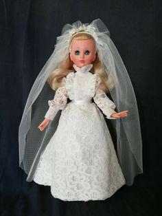 Bride Dolls, Vintage Dolls, Doll Toys, Aurora Sleeping Beauty, Disney Princess, Wealth, Brides, Decoration, Dresses