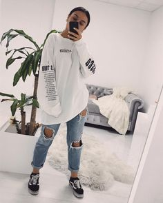 everyday outfits for moms,everyday outfits simple,everyday outfits casual,everyday outfits for women Skater Girl Outfits, Lazy Outfits, Komplette Outfits, Teenage Outfits, Retro Outfits, Cute Casual Outfits, Everyday Outfits, Stylish Outfits, Fashion Outfits