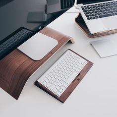 Daily Design Inspiration from selecting photography, architecture, graphic design and more. Our goal is to simply inspire your day and be creative! Diy Office Desk, Dream Desk, Study Space, Creating A Brand, Home Hacks, Floor Chair, Design Inspiration, Cleaning, Make It Yourself