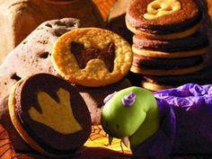 Gruselige Halloween-Cookies - Kekse mag nicht nur das Krümelmonster und wir versprechen Ihnen, dass sie mit diesen cleveren Keksideen für offene Münder sorgen. Übrigens: lecker schmecken sie auch!